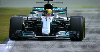F1: Mercedes domina primeiro treino na casa da Ferrari