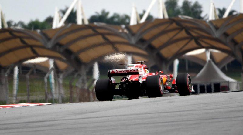 F1: Sebastian Vettel lidera dobradinha da Ferrari no 2º Treino Livre em Sepang