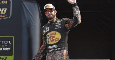 NASCAR Monster Energy Cup Series: Martin Truex Jr. vence no Kansas Speedway