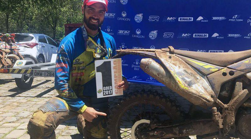 Rigor Rico e Ronald Santi são campeões brasileiros de Hard Enduro
