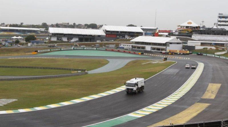 F1: Carros e equipamentos do GP do Brasil chegam ao país nesta terça