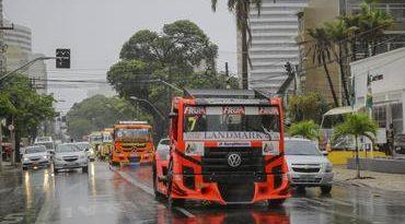 Copa Truck: Carreata da Copa Truck agita feriado em Porto Alegre