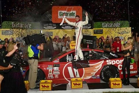 NASCAR Monster Energy Cup Series: Denny Hamlin marca a pole em Charlotte