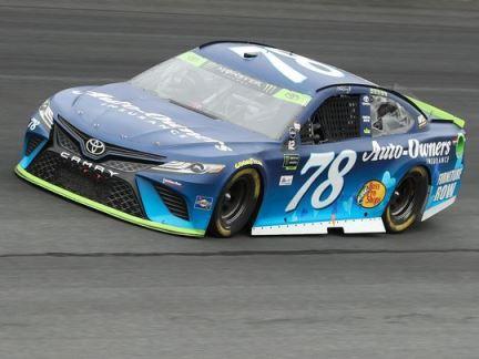 NASCAR Monter Energy Cup Series: Martin Treux Jr. vence em Charlotte
