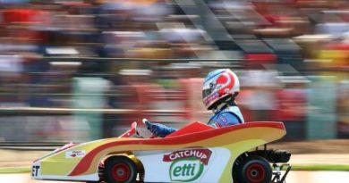 """Kart: Nelsinho Piquet: """"será um prazer correr com Schumacher"""""""