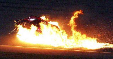 Nascar: Carro de Montoya pega fogo, mas piloto sai ileso