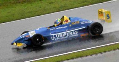 Fórmula SP: Mineiro enfrenta a chuva paulista e vence em Interlagos na abertura