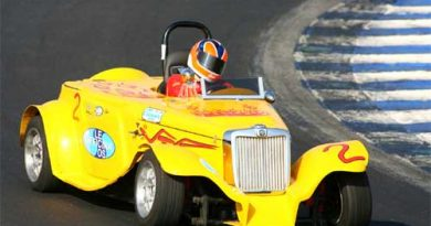 Outras: Carros históricos de corrida fazem segundo treino em Interlagos