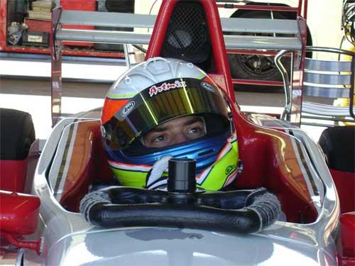 Outras: Ruiz Filho volta aos treinos em um F-Renault em Curitiba
