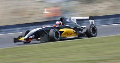 F-Renault Italiana: César Ramos tem bela atuação e recebe elogios da imprensa italiana
