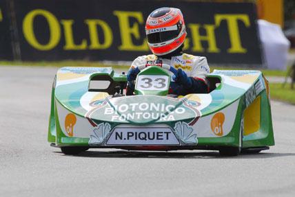 Kart: Nelsinho Piquet e Lucas ocupam a primeira fila do grid