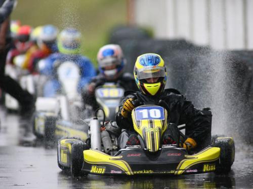 Kart: Paulista vai a Aldeia da Serra no fim de semana, e leva campeões mundiais à pista