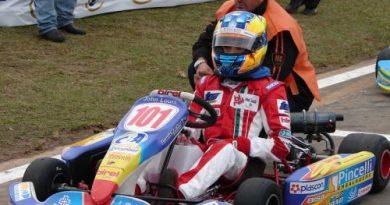 Kart: Jonathan Louis se prepara para disputar o GP Brasil
