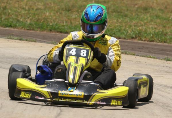 Kart: Lucas Foresti busca segundo título da temporada