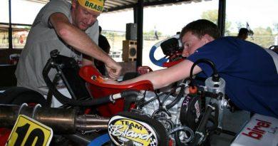 Mundial de Kart: Pilotos estrangeiros optam por trabalho em família em Guaratinguetá
