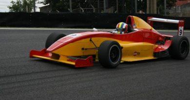 Fórmula Renault: Cássio Homem de Mello realiza sonho ao guiar um Fórmula em Interlagos