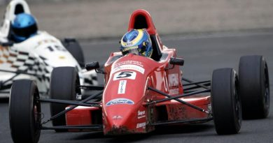 F-Ford Inglesa: Victor Corrêa sobe para quarto no Campeonato Inglês