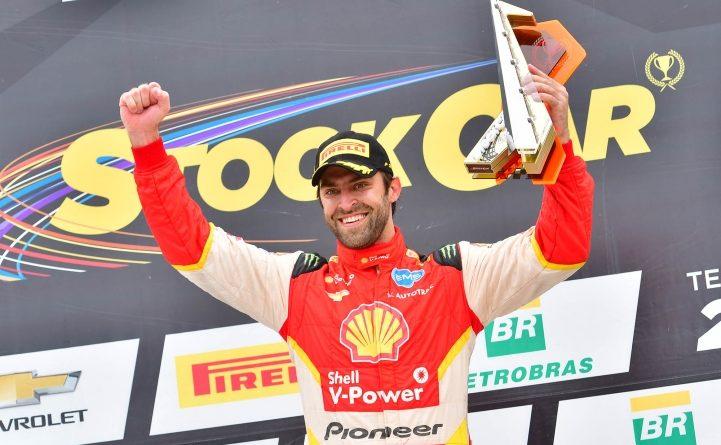 Stock Car: Átila larga na frente e vence a 2ª corrida em Goiânia