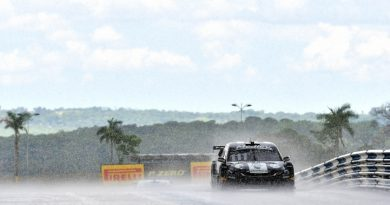 Stock Car: Blau Motorsport lidera treino dividido pela chuva