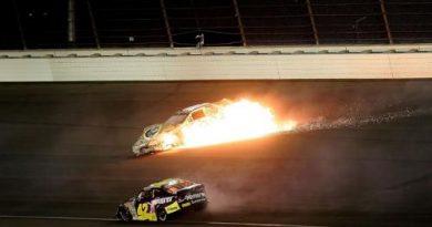 Busch Series: Jeff Burton vence na Califórnia. Brad Keselowski sofre grave acidente