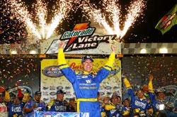 Busch Series: Clint Bowyer vence a Bashas' Supermarkets 200 em Phoenix