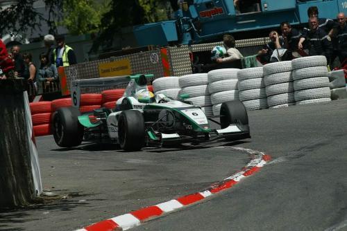 Formula Master: Cantelli Jr. enfrenta novo desafio na república Tcheca