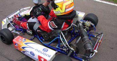 Kart: Carbone chega em 4° no Paulista Light