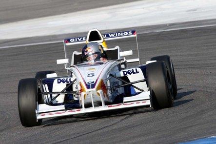 F-BMW Européia: Bianchini sofre acidente na Alemanha