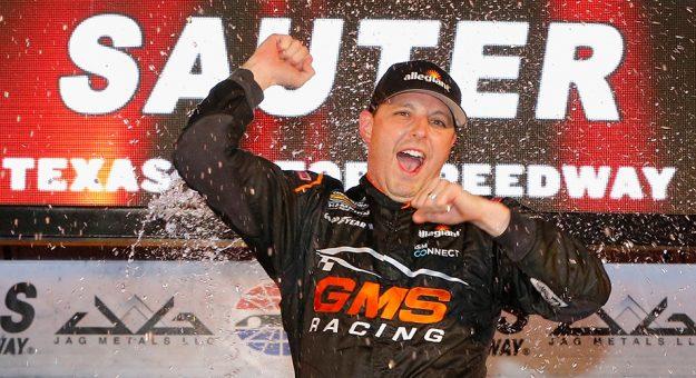 NASCAR Camping World Truck Series: Johnny Sauter vence em Phoenix. Definidos os quarto finalistas dos playoffs