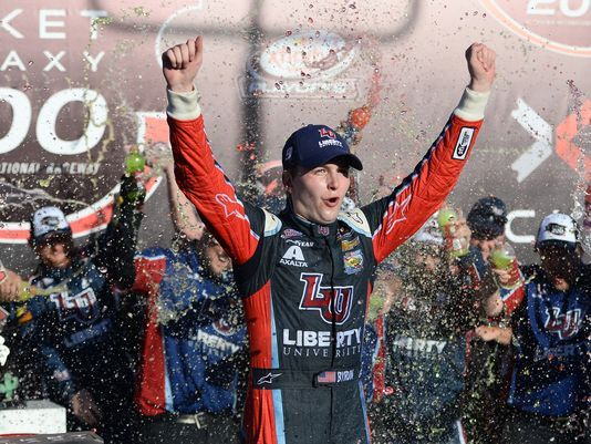 NASCAR XFINITY Series: William Byron vence em Phoenix. Definidos os quarto classificados para a final