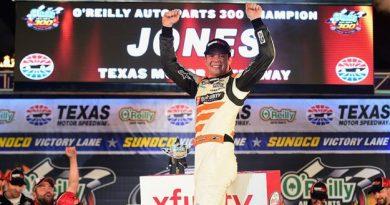 NASCAR XFINITY Series: Erik Jones vence no Texas Motor Speedway
