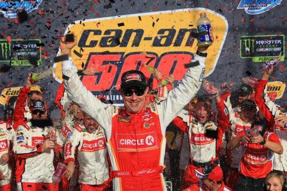 NASCAR Monster Energy Cup Series: Matt Kenseth vence em Phoenix. Definidos os quatro finalistas