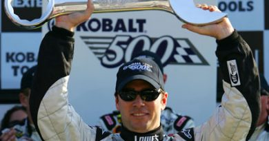 Nascar: Johnson vence a Kobalt Tools 500 em Atlanta