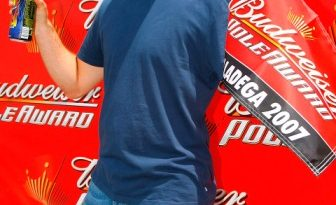 Nascar: Jeff Gordon sai na pole em Talladega