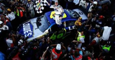 Nascar: Jimmie Johnson vence em Martinsville