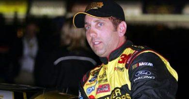Nascar: Greg Biffle sai na pole em Atlanta