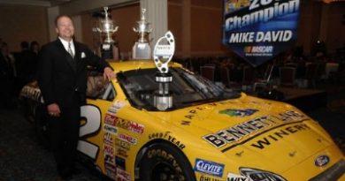 NASCAR Grand National West Series: Mike David é o campeão de 2007