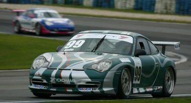 Porsche GT3 Cup: Tom Valle reage e vence a segunda corrida do dia em Curitiba