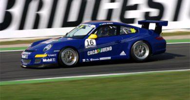 Outras: Cacá Bueno fica em 12º no treino livre da Porsche Supercup