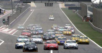 Porsche Super Cup: Richard Westbrook é bi-campeão