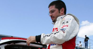 Nascar: Patrick Carpentier assina com Gillett Evernham Motorsports