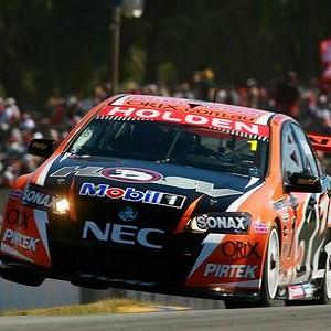 V8 Supercars Australia: Garth Tander vence as três provas em Barbagallo