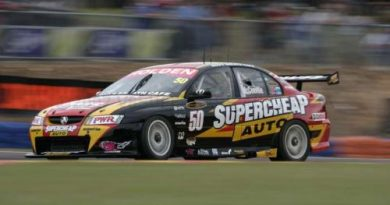 V8 Supercars Australia: Mark Skaife e Craig Lowndes vencem em Hidden Valley
