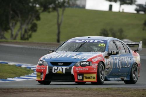 V8 Supercars Australia: Holden Racing Team domina provas em Eastern Creek