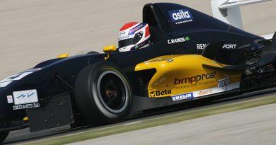 F-Renault Européia: César Ramos termina em 3º o primeiro treino coletivo oficial na Espanha