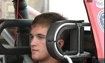 Nascar: Piloto de 19 anos morre em acidente na estrada