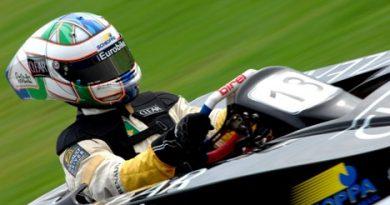 Kart: Com capacete inédito, Lucas faz treino tranquilo