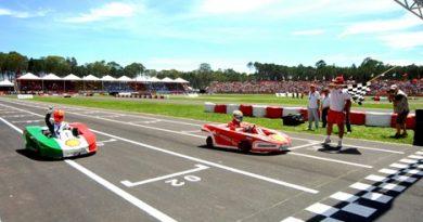 Desafio das Estrelas: Felipe Massa vence corrida e Schumacher é bicampeão
