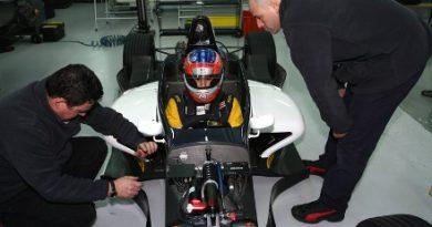 F-Renault Italiana: Gaúcho César Ramos chega em 3º na abertura do campeonato
