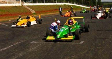 Gaúcho de Formula 1.6: Matheus Stumpf e Fernando Stédile fizeram um duelo de titãs